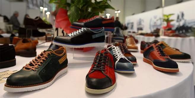 Ayakkabıcı, Rusya'da rakiplerine 'pabuç bırakmadı'
