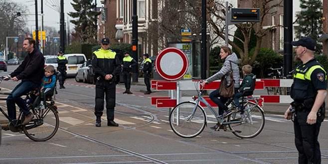 Bakan Kaya'nın açıklamasından sonra Hollanda polisi yolu kapattı