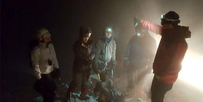 Uludağ'da kaybolan üniversite öğrencilerini jandarma buldu