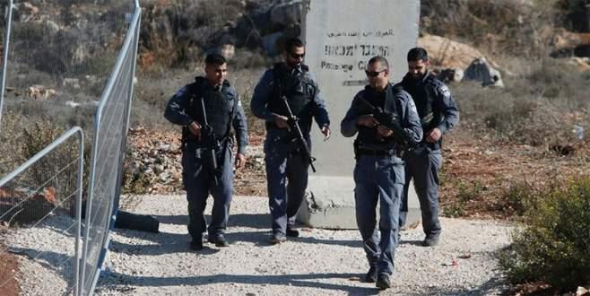 Bıçakla saldıran Filistinli öldürüldü