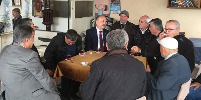 Bakan Müezzinoğlu çat kapı ziyaretlerinde hız kesmiyor