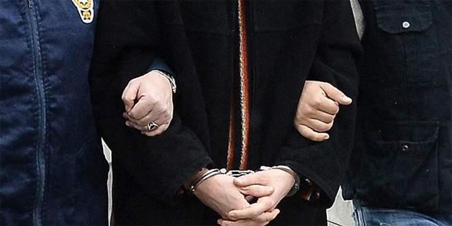 FETÖ'den aranan eski polis müdürü saklandığı çatıda yakalandı
