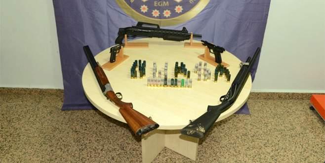 Bursa'da ruhsatsız silah operasyonu!