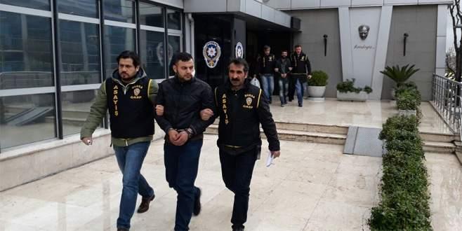 Bursa'daki taksi şoförüne gasp kameraya böyle yansıdı