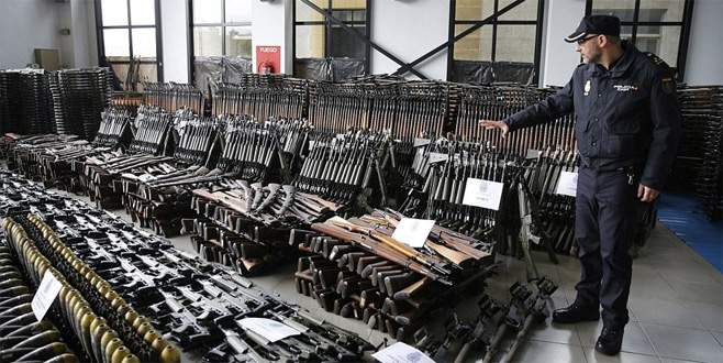 İspanyol polisi 10 bin silah ele geçirdi