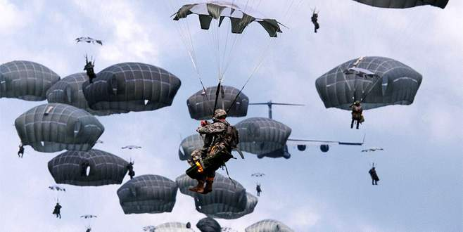 ABD Rakka'ya havadan asker indirdi