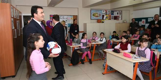 Başkan Dündar'dan 9 yaşındaki okul başkanına destek
