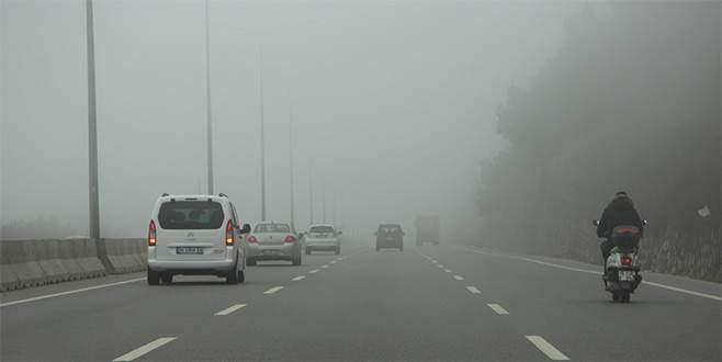 Bursa'da sis zor anlar yaşattı