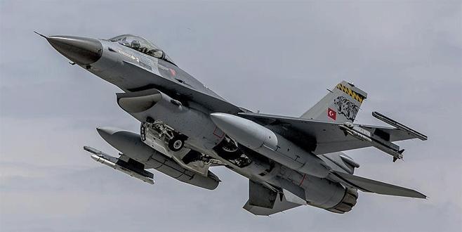 Hakkari'de terör örgütünün iki uçaksavar mevzisi imha edildi