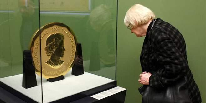 Müzeden 100 kiloluk hatıra altın para çalındı