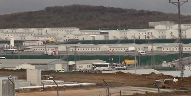 Havalimanı şantiyesinde işçiler kavga etti