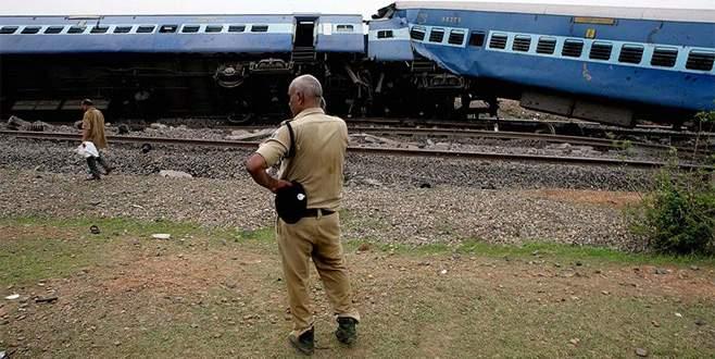 Hindistan'da tren kazası: 32 yaralı