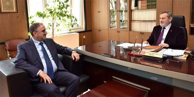 Başkan Sadi Kurtulan'dan yeni müftüye ziyaret