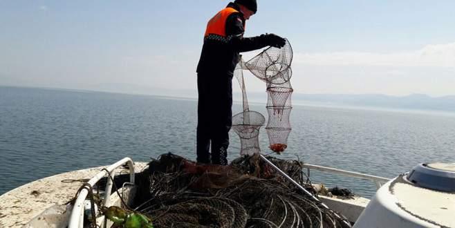 İznik Gölü'nde kaçak avlanma