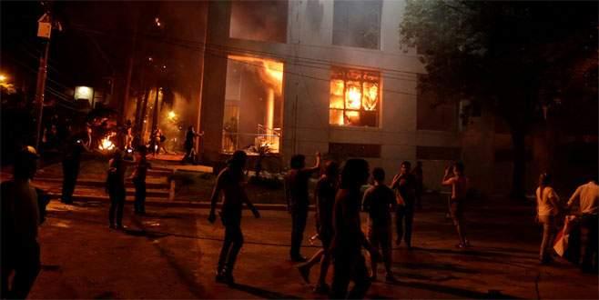 Paraguay'da başkana isyan