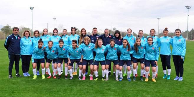 U19 Kadın Milliler Manavgat'ta kampta