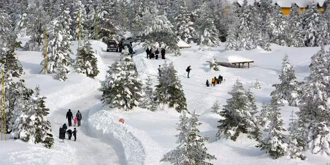 Uludağ'da kar kalınlığı 80 santimetre