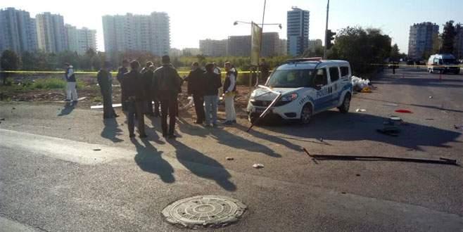 Polis aracına alçak saldırı: 2 yaralı