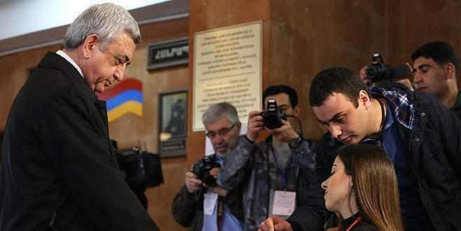 Ermenistan'da seçimleri Sarkistan'ın partisi kazandı