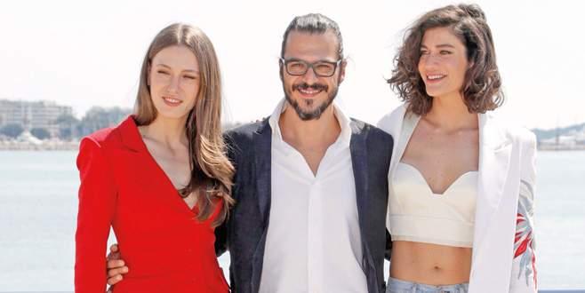 Dizilerimiz Cannes'da
