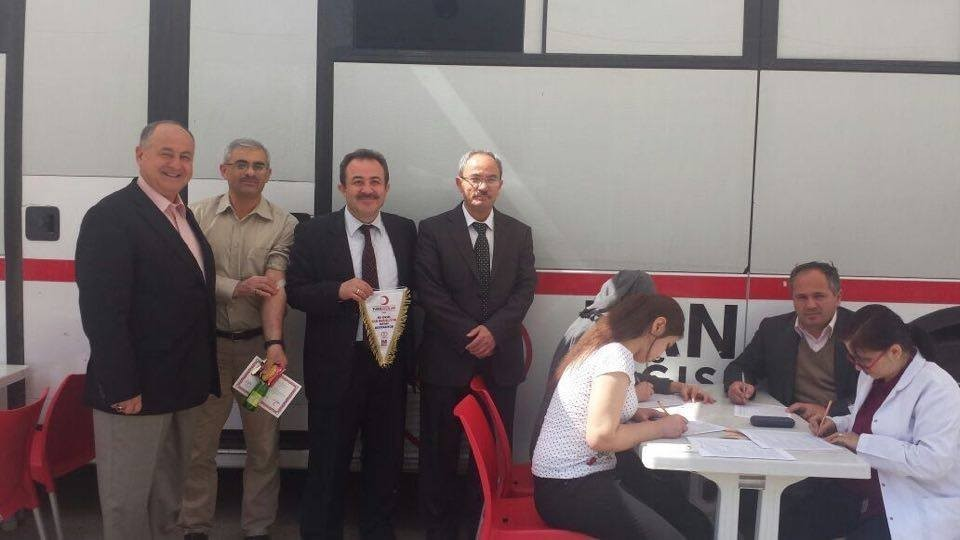 Eskişehir Atatürk Lisesi'nden Türk Kızılay'ına kan bağışı