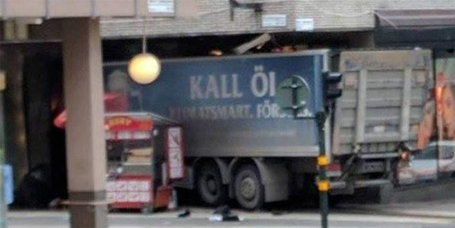 İsveç'te kamyonlu saldırı: Ölü ve yaralılar var