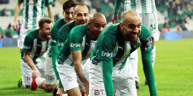 Bursaspor-K. Karabükspor maçından kareler
