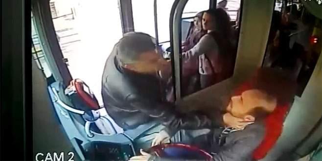 Bursa'da otobüs şoförüne saldırı güvenlik kamerasında