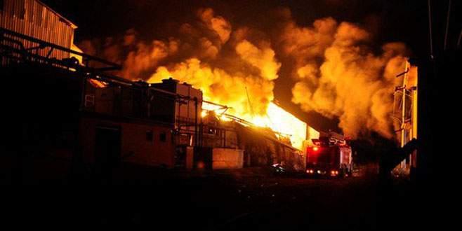 Yağ fabrikasında yangın: 2 işçi yaralandı