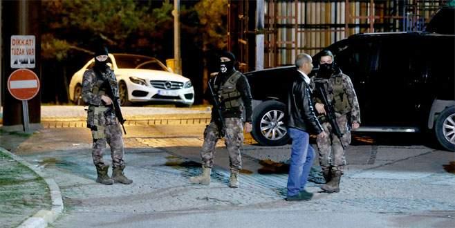 'Dur' ihtarına uymayan araca ateş açıldı: 2 ölü, 1 yaralı