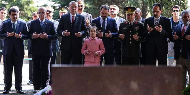 Cumhurbaşkanı Erdoğan'dan Özal ve Menderes'in kabirlerine ziyaret