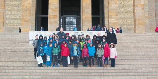 Nilvak Okulları'ndan Anıtkabir'e ziyaret