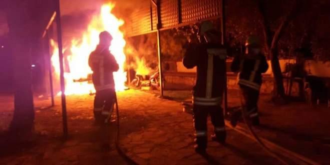 Tam donanımlı ambulansı yaktı