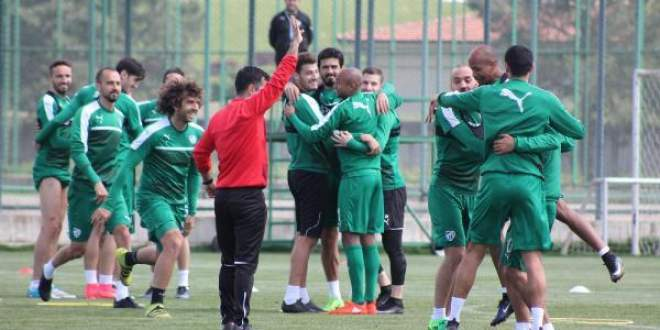 Bursaspor'da eğlenceli antrenman
