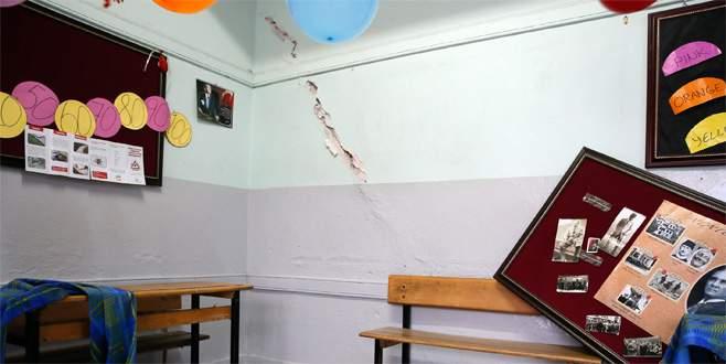 'Manisa'daki depremler 6 şiddetinde hissedildi'