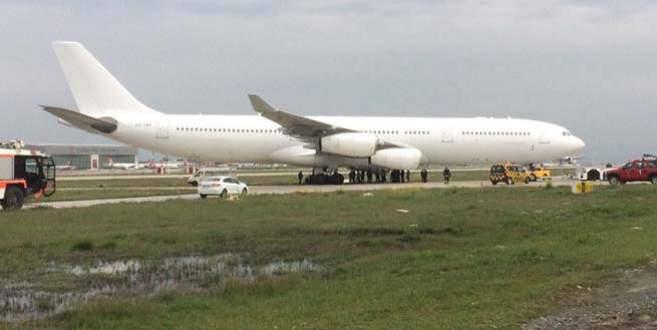Atatürk Havalimanı'nda uçak toprak alana çıktı
