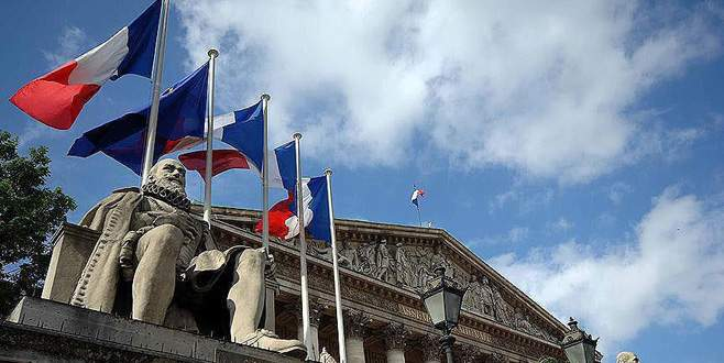 Fransa cumhurbaşkanlığı seçiminde ilk tur oylama