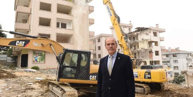 Fatih Sultan Mehmet Bulvarı'nda yıkım başladı