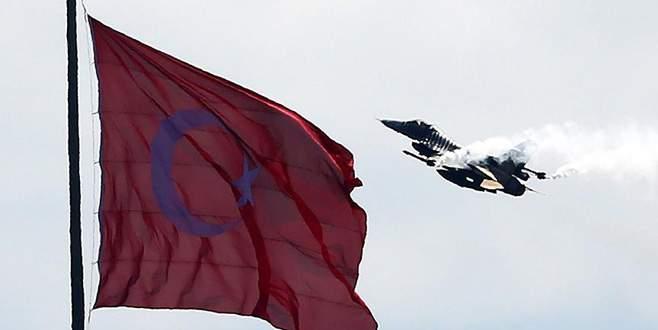 SOLOTÜRK'ün 'Çanakkale' gösterisi nefes kesti