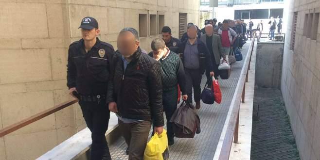 Bursa'da FETÖ'den gözaltına alınan 33 kişi adliyede
