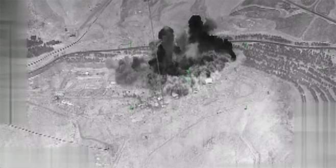 ABD askerleri teröristlerle birlikte TSK'nın bombaladığı yerleri inceledi
