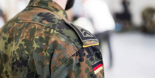 Alman ordusundaki ırkçı subay tutuklandı