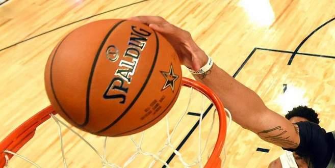 Spurs ve Raptors üst turda
