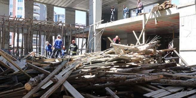 Cami inşaatı çöktü: 4 ölü, 2 yaralı