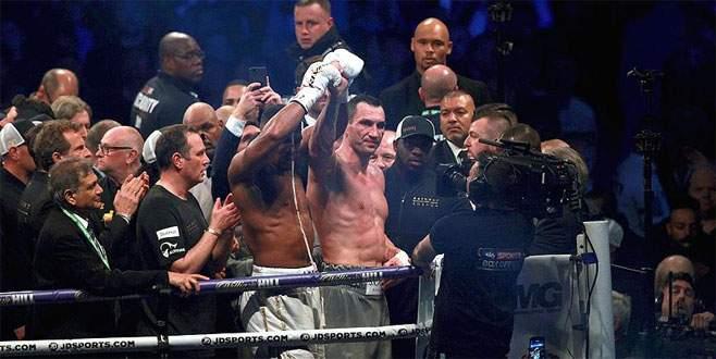 Joshua, Klitschko'yu nakavtla geçti