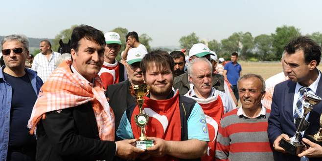 Bursa'da 'Rahvan At Yarışları' renkli görüntülere sahne oldu