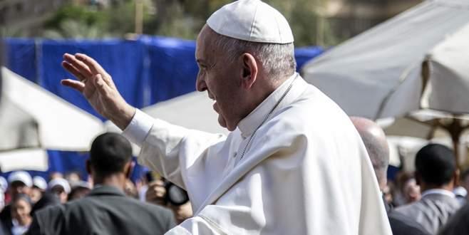Papa'dan gerginliğe son verin çağrısı
