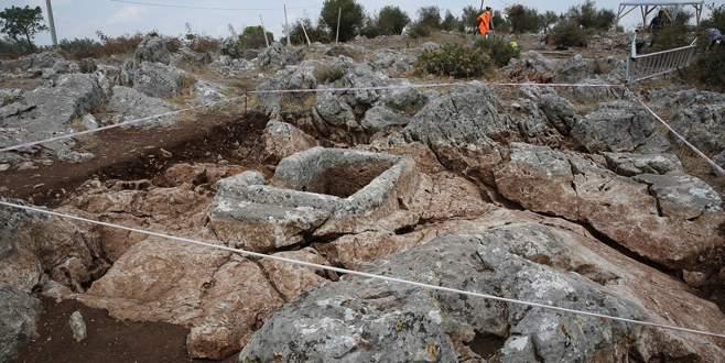 Bursa'da 2 bin 400 yıllık cam ve seramik atölyesi bulundu