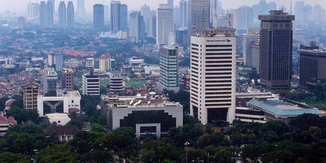 Jakarta batıyor
