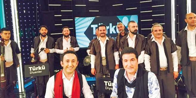 Türkü Diyenler'de sıra gecesi